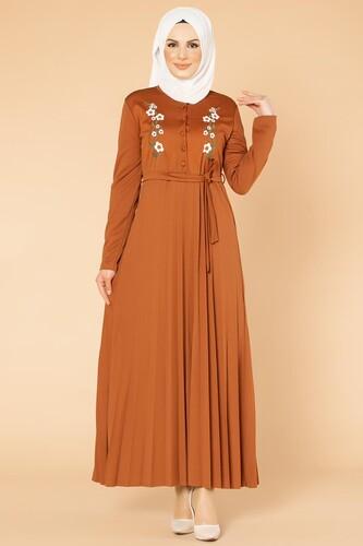 Modaebva - Baskı Düğmeli Nakışlı Tesettür Elbise-1696 kiremit