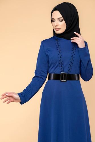 Modaebva - Kalın Kemerli İncili Tesettür Elbise-3572 Saksmavisi (1)