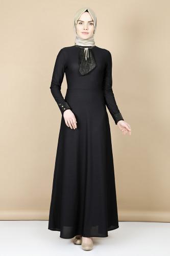 - Nergiz savaroski kolye detaylı elbise -Siyah 0083