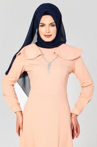 Modaebva - Omuz Fırfırlı Kolyeli Tesettür Elbise-2060 Pudra (1)