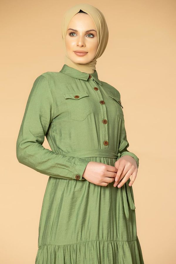 Önden Düğmeli Kemerli Tesettür Elbise-032 Hakiyeşili