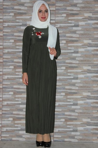 Modaebva - Sandy Pileli Nakışlı Elbise Yeşil-0510